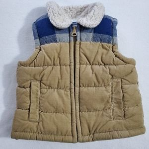 Old Navy boy's vest sz 3-6mo